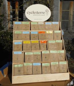présentoir cycle en terre en bois